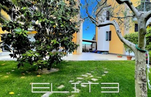 Appartamento pari al nuovo con terrazzo e giardino