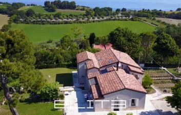 Villa a Portonovo in esclusiva